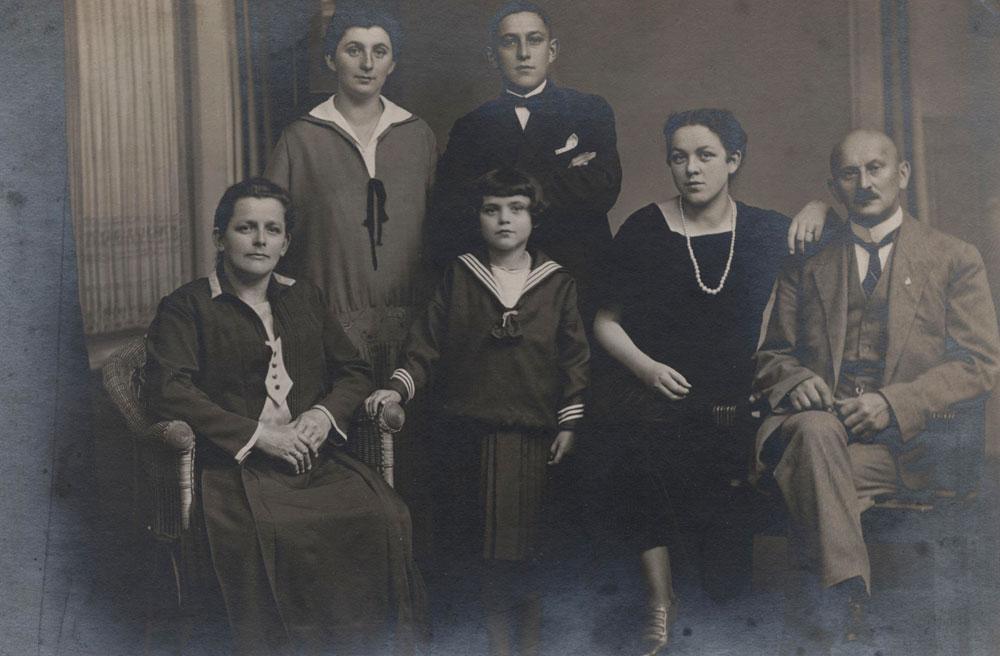 Grossvater Buchmann samt Familie